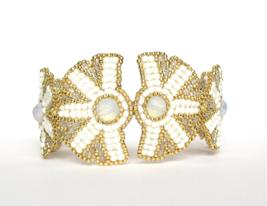 Laloo – Nouveau Bloom Cuff, moonstone